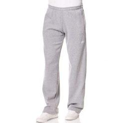 Spodnie dresowe w kolorze szarym. Szare joggery męskie marki Speedo, z haftami, z dresówki. W wyprzedaży za 95,95 zł.