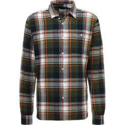 Knowledge Cotton Apparel CHECKED Koszula black forrest. Czarne koszule męskie Knowledge Cotton Apparel, l, z bawełny. Za 419,00 zł.