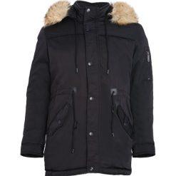 Czarna Kurtka Never Amount. Czarne kurtki męskie zimowe marki Born2be, l, z aplikacjami, z dresówki. Za 234,99 zł.
