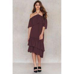 Tranloev Asymetryczna sukienka z falbanką - Purple. Niebieskie sukienki asymetryczne marki Reserved. W wyprzedaży za 85,19 zł.