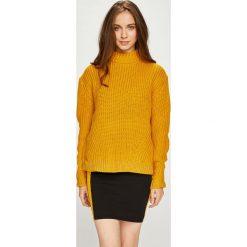 Pieces - Sweter Fry. Pomarańczowe swetry klasyczne damskie marki Pieces, l. Za 149,90 zł.