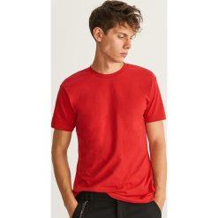 Gładki T-shirt Basic - Czerwony. Czerwone t-shirty męskie Reserved, l. Za 19,99 zł.
