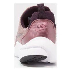 Tenisówki damskie: Nike Sportswear PRESTO FLY Tenisówki i Trampki port wine/particle pink/black/metallic mahogany