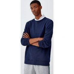 Bluza basic z okrągłym dekoltem. Zielone bluzy męskie rozpinane Pull&Bear, m. Za 59,90 zł.