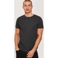 T-shirt basic - Szary. Czarne t-shirty męskie marki KIPSTA, z poliesteru, do piłki nożnej. Za 25,99 zł.