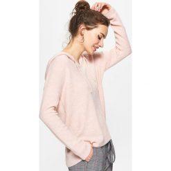 Swetry damskie: Sweter z kapturem – Różowy