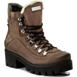 Botki EVA MINGE - Milagros 2X 17SM1372230EF 404. Brązowe buty zimowe damskie Eva Minge, z nubiku, na obcasie. W wyprzedaży za 259,00 zł.