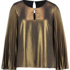 Bardot GOLD PLEAT TOP Bluzka gold. Żółte bluzki damskie marki Bardot, s, z materiału. W wyprzedaży za 169,50 zł.