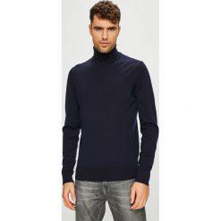 Calvin Klein - Sweter. Pomarańczowe golfy męskie marki Calvin Klein, l, z bawełny, z okrągłym kołnierzem. Za 499,90 zł.