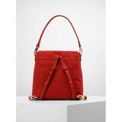 Torebki klasyczne damskie: Coccinelle ARLETTIS Plecak red