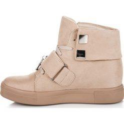 Zamszowe trampki na koturnie PENELOPE. Różowe buty ślubne damskie SEASTAR, z zamszu, na koturnie. Za 119,00 zł.