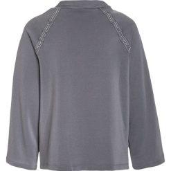 Adidas Originals Bluza grey three/white. Czerwone bluzy chłopięce marki adidas Originals, z materiału. W wyprzedaży za 159,20 zł.