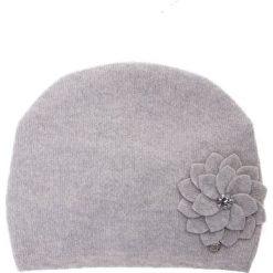 Czapki damskie: Wełniana szara czapka z kwiatem QUIOSQUE