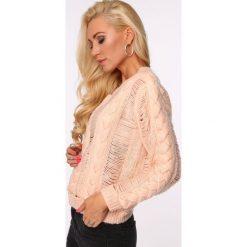 Sweter ażurowy krótki łososiowy MISC263. Czerwone swetry klasyczne damskie marki Fasardi, l. Za 109,00 zł.
