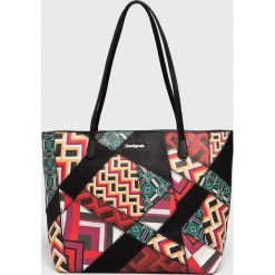 Desigual - Torebka. Szare torebki klasyczne damskie marki Desigual, z materiału, duże. W wyprzedaży za 239,90 zł.