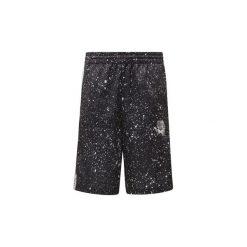 Szorty i Bermudy  adidas  Szorty Planetoid. Czerwone bermudy męskie marki Cropp. Za 229,00 zł.