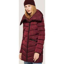 Pikowany płaszcz - Bordowy. Czerwone płaszcze damskie marki House, l. Za 159,99 zł.