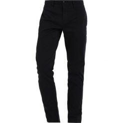 Spodnie męskie: Tommy Jeans BASIC SLIM FERRY Chinosy black