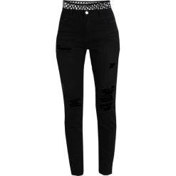 Missguided RIOT Jeansy Slim Fit black. Czarne jeansy damskie marki Missguided. Za 179,00 zł.
