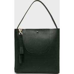 Calvin Klein - Torebka skórzana. Czarne torebki klasyczne damskie marki Calvin Klein, z materiału, duże. Za 1149,00 zł.