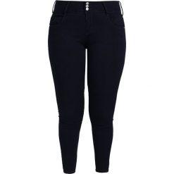 Only Carmakoma ONLCARANNA RAIN MID Jeans Skinny Fit dark blue denim. Niebieskie boyfriendy damskie Only Carmakoma. Za 169,00 zł.