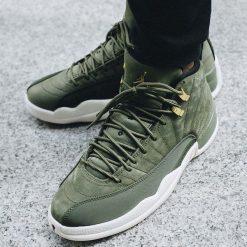 "Buty Air Jordan 12 Retro ""Olive Canvas"" (130690-301). Brązowe buty skate męskie Jordan, z gumy. Za 729,99 zł."