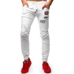 Joggery męskie: Spodnie joggery jeansowe męskie białe (ux1264)