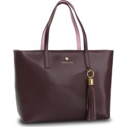 Torebka GUESS - HWGROU L9123 BUR. Czerwone torebki klasyczne damskie marki Guess, z aplikacjami, ze skóry ekologicznej, duże. Za 1029,00 zł.