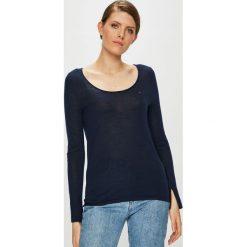 Tommy Jeans - Sweter. Szare swetry klasyczne damskie Tommy Jeans, l, z dzianiny, z okrągłym kołnierzem. Za 359,90 zł.