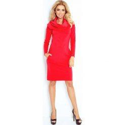 Czerwona Sukienka Dopasowana z Obfitym Golfem. Czerwone długie sukienki marki Molly.pl, l, z tkaniny, eleganckie, z golfem, z długim rękawem, dopasowane. Za 149,90 zł.