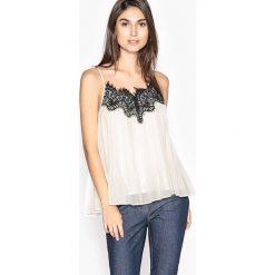 Bluzki asymetryczne: Plisowana koszulka na cienkich ramiączkach