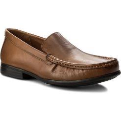 Mokasyny CLARKS - Claude Plain 261243167 Tan Leather. Brązowe mokasyny męskie marki Kazar, z materiału. W wyprzedaży za 189,00 zł.