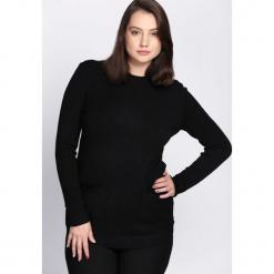 Czarny Sweter Regularity. Czarne swetry klasyczne damskie marki Born2be, na jesień, l. Za 59,99 zł.