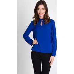 Bluzki damskie: Kobaltowa bluzka ze stójką QUIOSQUE