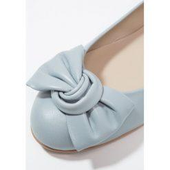Baleriny damskie lakierowane: Brenda Zaro CARLA Baleriny baby blue