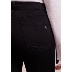 Rag & bone MITO Jeansy Slim fit black. Czarne rurki damskie rag & bone. Za 1139,00 zł.