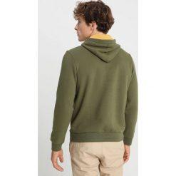 Napapijri BURGEE Bluza z kapturem green musk. Zielone bluzy męskie rozpinane Napapijri, m, z bawełny, z kapturem. Za 429,00 zł.