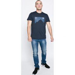 Diesel - Jeansy Belther. Niebieskie jeansy męskie regular marki Diesel, z aplikacjami, z bawełny. W wyprzedaży za 449,90 zł.