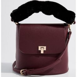 Torebka z odpinanym uchwytem - Bordowy. Czerwone torebki klasyczne damskie Mohito. Za 99,99 zł.