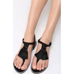 Czarne Sandały Try Your Luck. Czarne sandały damskie marki vices, na płaskiej podeszwie. Za 34,99 zł.
