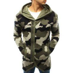 Sweter męski rozpinany z kapturem woodland camo (wx0914). Zielone kardigany męskie marki Dstreet, m, z poliakrylu, z asymetrycznym kołnierzem. Za 99,99 zł.