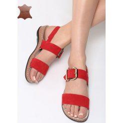 Czerwone Skórzane Sandały Unknown Just. Czerwone sandały damskie marki Born2be, z materiału, na obcasie. Za 99,99 zł.