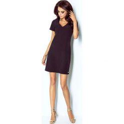 Czarna Sukienka Trapezowa Mini z Dekoltem V. Sukienki małe czarne marki bonprix, do pracy, w paski, biznesowe, moda ciążowa. Za 139,90 zł.
