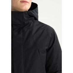 Minimum YAO Płaszcz puchowy black. Czarne płaszcze na zamek męskie Minimum, m, z materiału. W wyprzedaży za 544,50 zł.