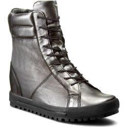 Sneakersy WOJAS - 6671-59 C.Srebrny. Czarne sneakersy damskie marki Wojas, z materiału, z okrągłym noskiem. W wyprzedaży za 289,00 zł.
