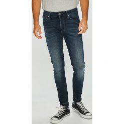 Tommy Jeans - Jeansy Simon. Niebieskie jeansy męskie skinny marki Tommy Jeans. Za 399,90 zł.