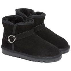 Skórzane botki w kolorze czarnym. Czarne buty zimowe damskie Carla Samuel, na zimę, ze sprzączką. W wyprzedaży za 199,95 zł.