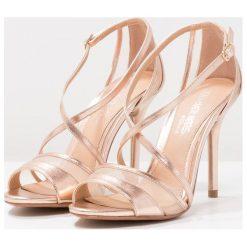 Rzymianki damskie: Head over Heels by Dune MACIEE Sandały na obcasie rose gold metallic