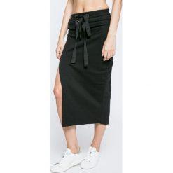 Missguided - Spódnica By Jordan Dunn. Szare spódniczki dzianinowe marki Missguided, s, z podwyższonym stanem, midi, dopasowane. W wyprzedaży za 79,90 zł.
