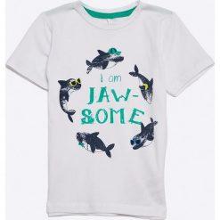 Name it - T-shirt dziecięcy 92-128 cm. Szare t-shirty chłopięce z nadrukiem marki Name it, z bawełny, z okrągłym kołnierzem. W wyprzedaży za 39,90 zł.